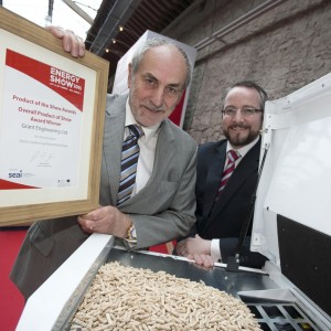 Stephen Grant, Grant Engineering with Jim Gannon, CHairman, Panel of Assessors, ENergy Show Product of the Show Awards 2015